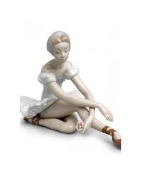 """Статуэтка """"Балерина с розой"""""""